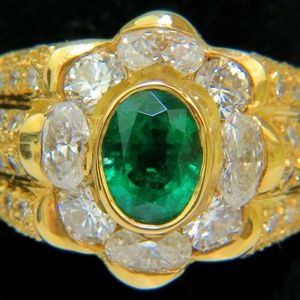 18KT 4.00CT NATURAL EMERALD DIAMOND RING
